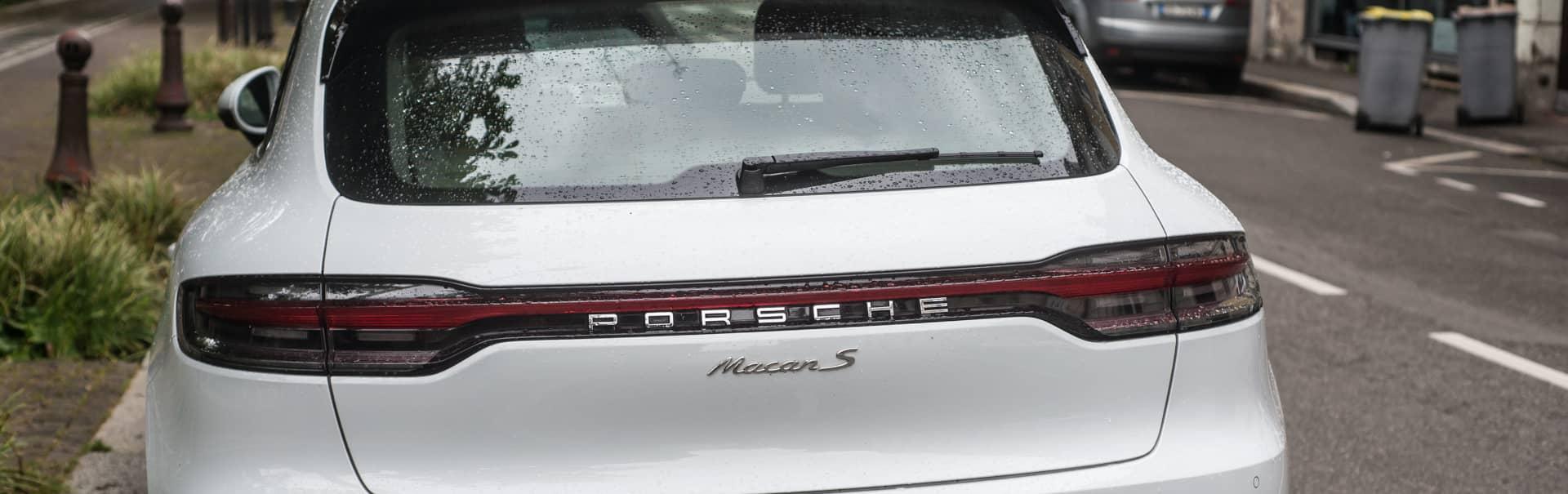 Audi muss hohen Schadensersatz an Porsche-Halter zahlen