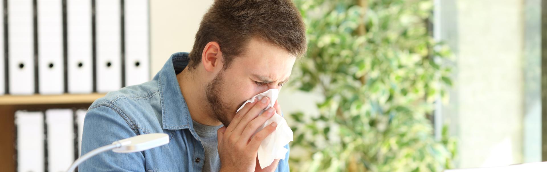 Die Arbeitsunfähigkeitsbescheinigung: So melden Sie sich richtig krank